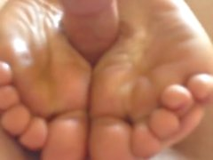 Cum On Soles Amateur Footjobs(23)