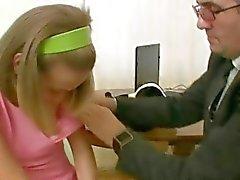 Wilde Beoordeling voor een jonge meid