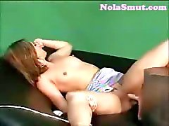 Cute Brunette Solo Baisez Fun Machine