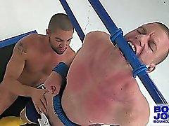 Attaché Blake Daniels Fessée et soufflé par Dominic