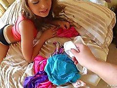 Remy Lacroix on hiton seksikäs hänen valkoinen alushousut