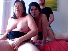 Mãe e filha e namorado HOT!
