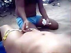 Eine indische Mastrubate für seine Schwester in Goa Beach