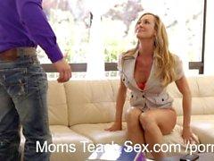 Mãe come enteadas Creampie bichano
