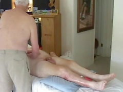 hommes d'âge mûr massage nu