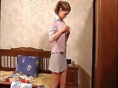 Bespioneren een babysitter vriendin