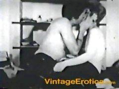 Prostituta dura con el un pargo de caramelo igual que encanta hacer algún sexo oral