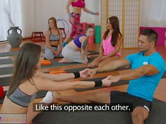 FitnessRooms Hot teens get fucked with big cock in gym