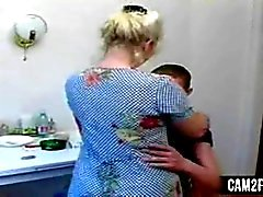 Blonde Mom: Free Mature & Russian Porn Video b2