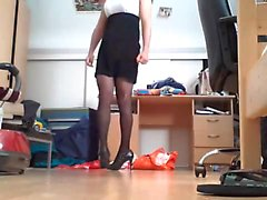 Teen slut in pumps and pantyhose