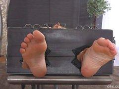 milf feet tickling