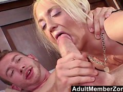 AdultMemberZone Wouldbe pornstar shows she has everything it takes
