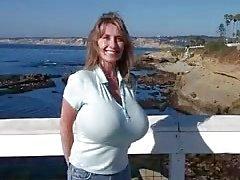 Nancy büyük memeli