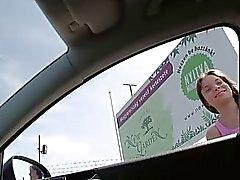 Anita perde l'autobus incontri intimi un'auto surriscaldata
