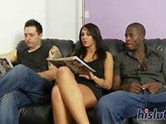 Raven-haired slut prazeres numerosos eixos de gordura