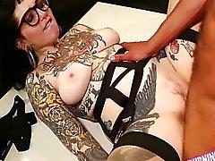 BurningAngel sexy de Emo Adahlia Interracial de sexe