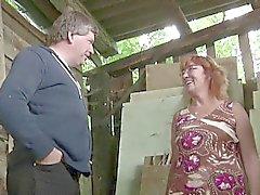 Немецкая зрелая телка мама с папой ебать Наружный о фермой