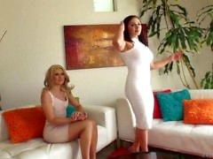 Lexia Lea e Anikka Albrite como cum