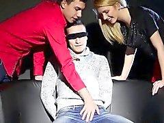 Huora kokemasi haittavaikutus on biseksuaali cum