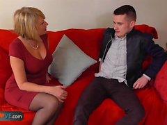Sexy mature landlady likes young boys and their big dicks