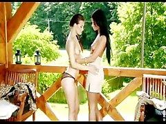 Ashley Bulgari et Elle Lesbian Lover