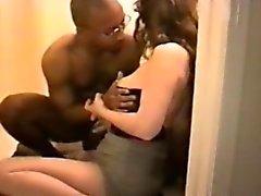 Butt голодающих и доступный получить черная полового члена