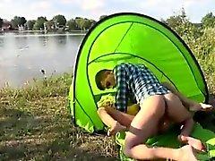 Eveline erhalten auf Campingplatz boinked