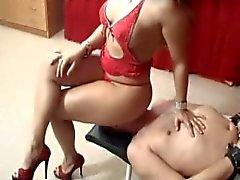Arabella facesitting 2