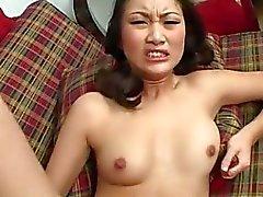 Puta chinese Evelyn de Lin se golpean hasta su de Minge húmedo