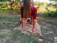 Fuck me Hard in the Forest - Mamada al aire libre y Doggystyle RosieSkywalker