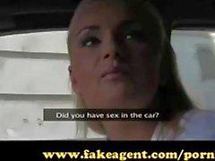 FakeAgent loira amador tem rabo apertado!