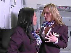CFNM - gekleed stewardess ' fucked in de eerste klasse