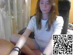 Hot deadluna playing on live webcam - find6