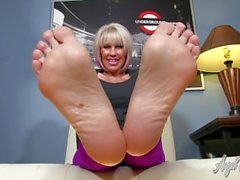 Angel Kissed Feet - MILF Nikki Ashton Foot Tease with Jerkoff Instruction