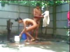 bengalí Jodido la india de sexo Outdoor bath