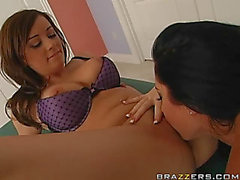Hawt Masseuse Taylor Vixxxen Giving A Lesbo Massage To Jayden Jaymes