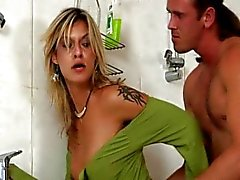 BiSex Shower Party