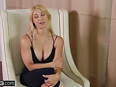 Ryhmä-Sex tunnustusten uhkaava-uhkaava Sarah vandella hankkii peräaukon & F earsome Syvä kurkku