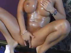 Creamed up Girl rubbs her Pussy good