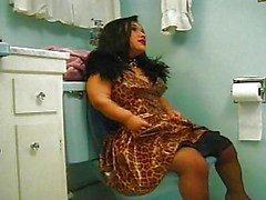Migdet surpresa na casa de banho