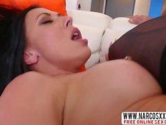Brunette Stepmom Rachel Starr sukkia Gets Iron Cock