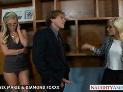 Blonde von Phoenix Marie und Diamant Foxxx ficken im Quartett