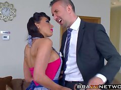 Rachel Starr manipulates two fuckboys with her sexy body