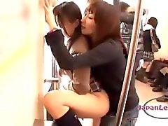 Азиатских Ученица Как рту и киска выебанная При Подвязанные Члены При 2 девочки старшего возраста в поезде