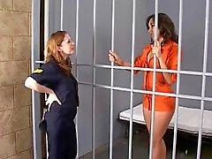 carcelera gay y un prisionero