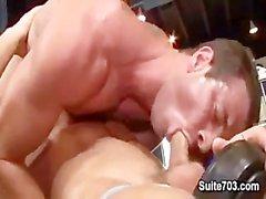 Deuxième bodybuilding muscle chaud Gavin Waters & rouillée Stevens baise dans la IN