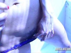 Ariella Ferrera Dildo de cristal azul claro Juego artístico