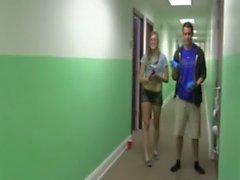 Giovane studenti cazzo cheerleader