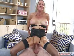 Step mom Emma Starr loves hard dicks