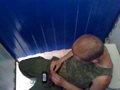 Som STR8 Heta Militär grabben Wanking På toalett båset .